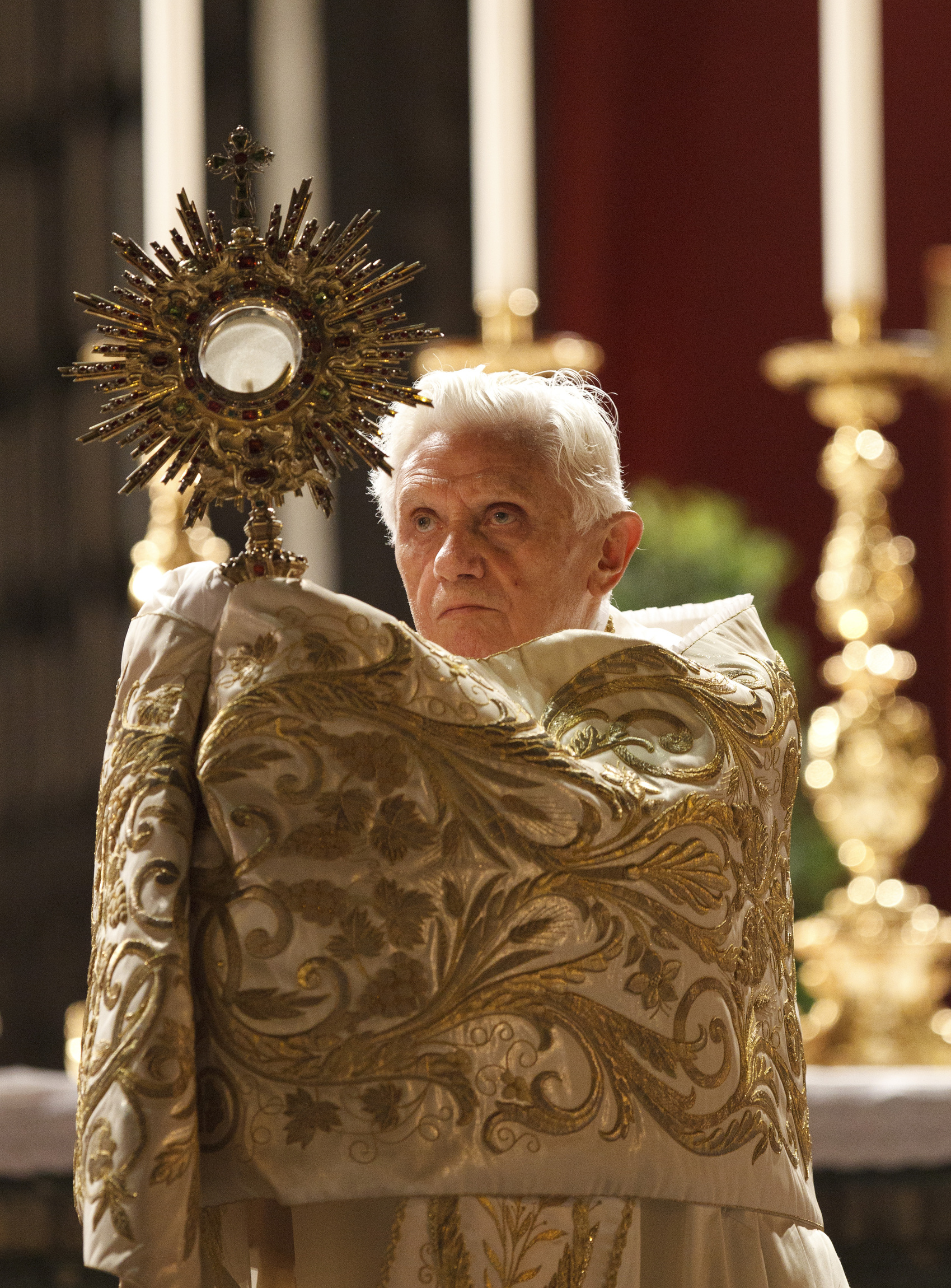 POPE LEADS BENEDICTION AFTER CORPUS CHRISTI PROCESSION IN ROME